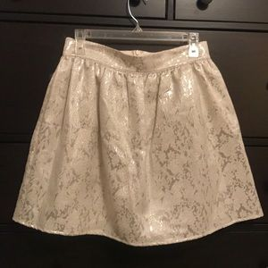 NWT Copper Key White & Silver Skirt - Size Large